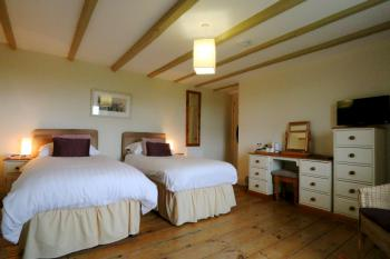 Superior Twin Ensuite Room in the Farmhouse