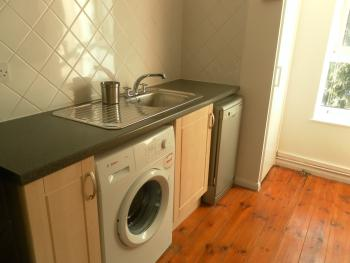 Kitchen & Washer