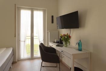Standard-Einzelzimmer mit Balkon & Flussblick
