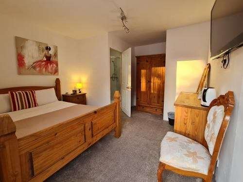 Double room-Ensuite with Shower-Courtyard view-Room 11 and 12 - Base Rate