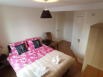 2-Bedroom Sleeps 4-Apartment-Ensuite with Bath