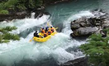 WHITEWATER RAFTING - 6 MILE RIVER