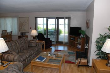 Bayfield on the Lake 101-Condo-Private Bathroom-Lake View