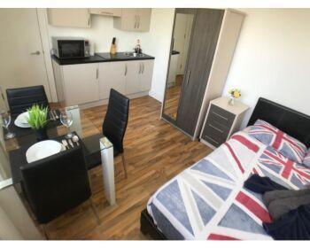 Apartment-Apartment-Private Bathroom-Courtyard view-GSS Premium 7 - Base Rate