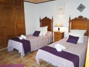 Dormitorio con camas de 110cm