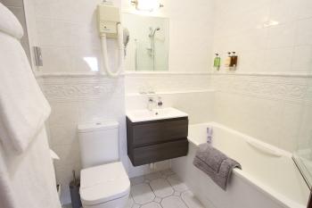Ensuite Bathroom (Bath with Shower)