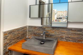 salle d'eau vue vieux port appartement Marseille
