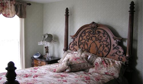 Double room-Ensuite-Queen-River view-Clermont