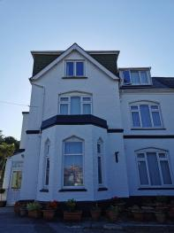 Coombe Lodge Holiday Flat