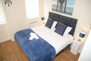 QF1 - Super king bedroom