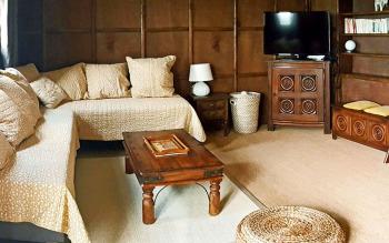 Salon avec 2 lits en banquettes (80 x 200 cm)