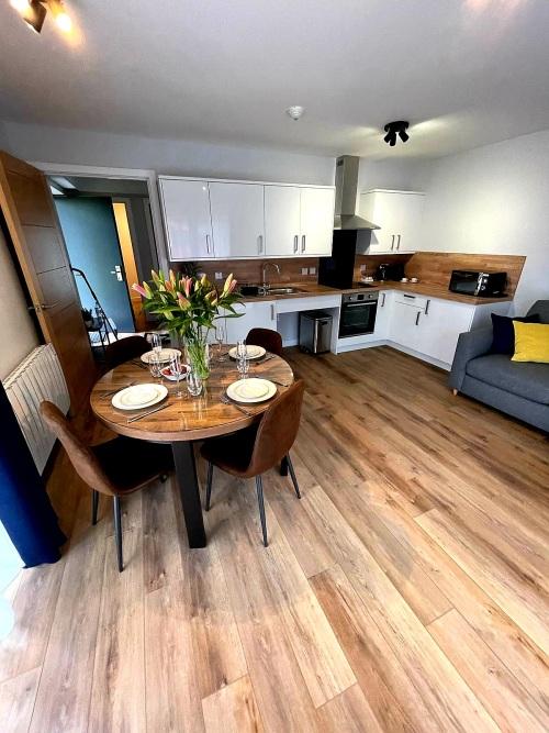 Apartment-Private Bathroom-Terrace