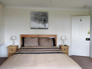 King-King-Private Bathroom-Garden View-Whitehouse Cottage Room 3 - Base Rate