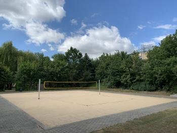 Beachvolleyball / Badminton