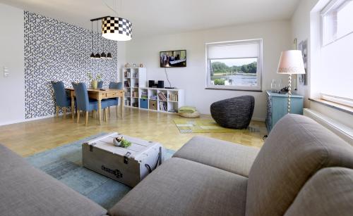 Ferienwohnung-Komfort-Eigenes Badezimmer-Blick auf den Kanal - Standardpreis