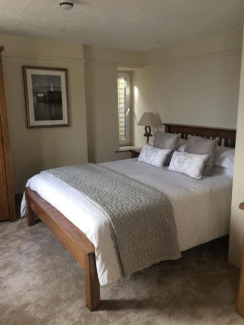 Double room-Deluxe-Private Bathroom - Room Only