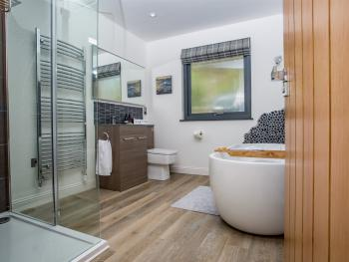 Thistle Bathroom