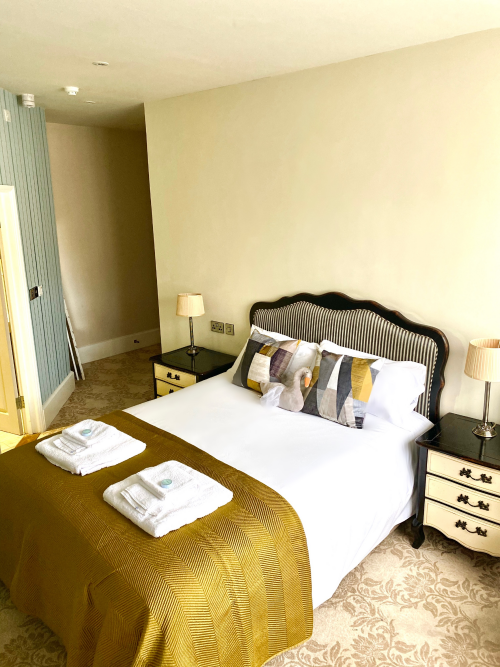 Double room-Deluxe-Ensuite with Shower-Street View-Manor Room - Flexible