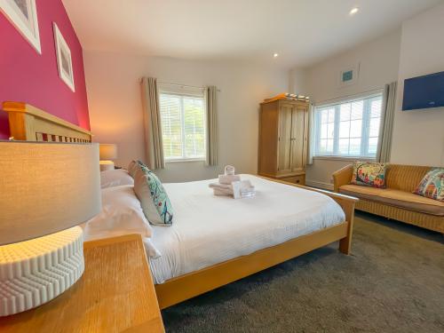 King-Standard-Ensuite-Sea View-Room 6 - Base Rate