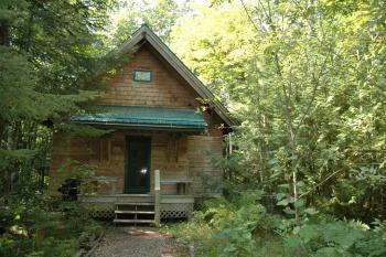 Brickyard Cottage #4-Cottage-Private Bathroom-Woodland view