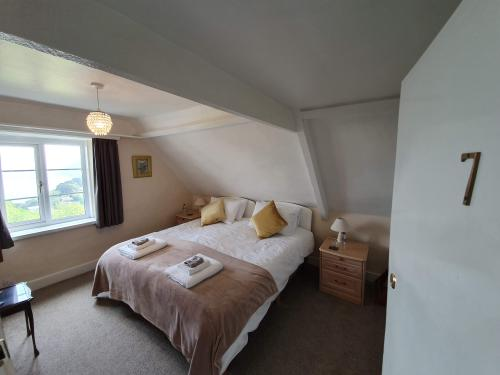 Double or Twin-Ensuite-Sea View-Room 7