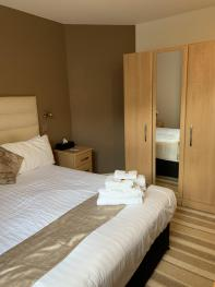 Double room-Ensuite with Shower-Mountain View-Room 4