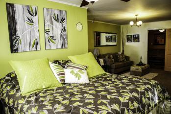 Double room-Ensuite-Standard-White Port Room