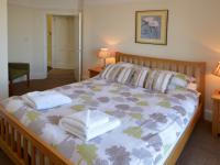 Superior Family Suite which sleeps 6 - Master King bedroom with Sea View