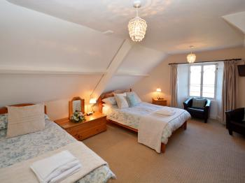 Deluxe Triple Family Room with Ensuite shower and Sea View
