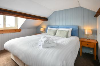 Suite-Ensuite-Sea View-2Bedroom Superking & Twin
