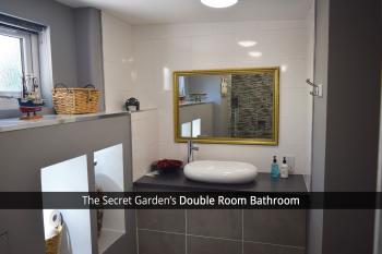 The Secret Garden Double Room's Bathroom