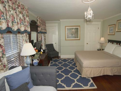 The Inn 3 Queen (no pets)-Double room-Ensuite-Standard - Base Rate