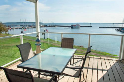 Bayfield on the Lake 201