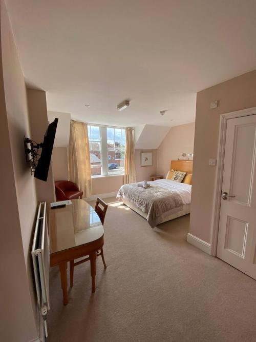 Executive-Double room-Ensuite with Shower