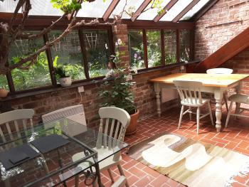 Church Villa B&B - Vine room - with individual tables for July 2020