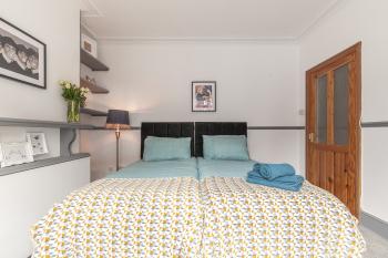 Bovey House - Bedroom 1