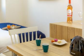 espace repas appartement Méditerranée