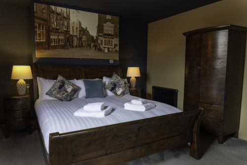 King-Premium-Ensuite with Bath-Garden View-Room 1
