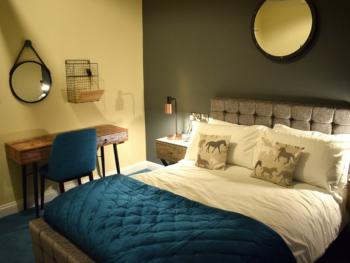 The Mendip Inn - The Stable double bedroom