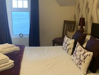 Double room-Deluxe-Ensuite-Sea View-With Bath and Shower