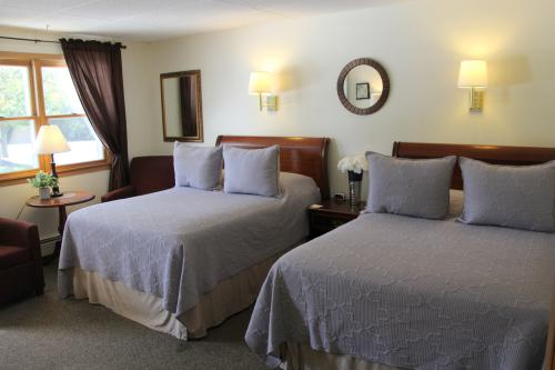 08 -2  full size beds-Double room-Standard-Ensuite