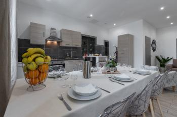 Guest House Grimaldi - Guest House Grimaldi - Living Room