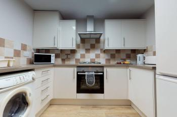 Fully Equipped Kitchen with Washer/Dryer