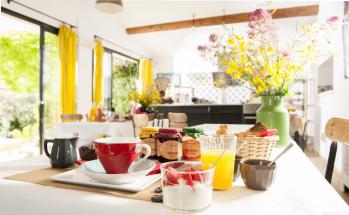 espace commun/petit déjeuner continental