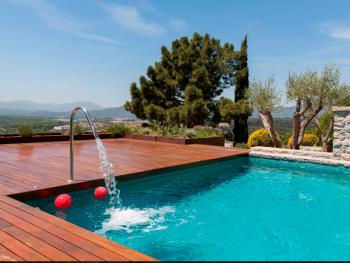 MONTJUIC B&B pool with views