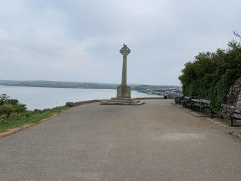War memorial from walk to beach
