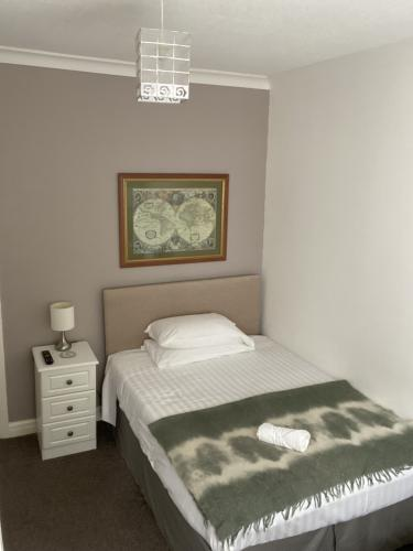 Double room-Basic-Ensuite with Shower-Garden View-Double / Single Room