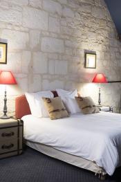 Chambre parentale équitation avec lit double 180x200 ou 2 lits simples et sa chambre enfants avec 3 lits simples à côté