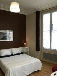 Studio-en Ville-Douche-Vue sur Rue-Etage N°2 - Tarif de base