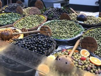 Marché aux olives
